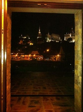 DoubleTree by Hilton Sighisoara - Cavaler: night view from the room