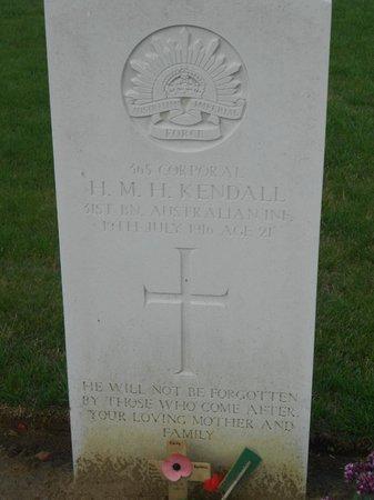 Pheasant Wood Military Cemetery: Stèle avec un texte personnalisé
