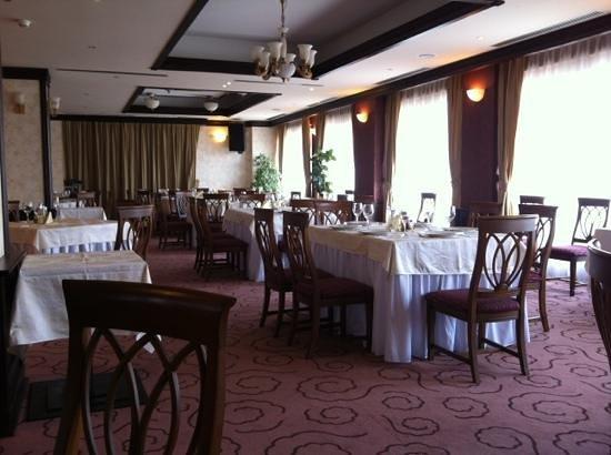 Hotel Cavaler: restaurant1