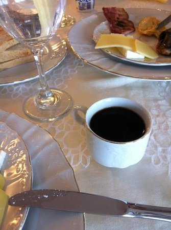 DoubleTree by Hilton Sighisoara - Cavaler: worst ever breakfast coffee