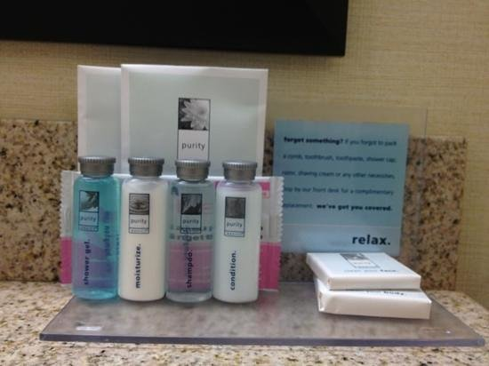 Hampton Inn & Suites Sharon: freshen up goodies