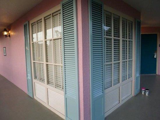 Disney's Port Orleans Resort - French Quarter : Corner room vue de l'extérieur