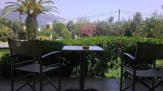 Livadi Nafsika Hotel: Terrasse..Sympa pour prendre le ptit déj ou un verre