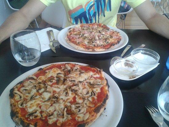 Pizzeria L'Italiana: Pizzas. Funghi + Prosciuto funghi