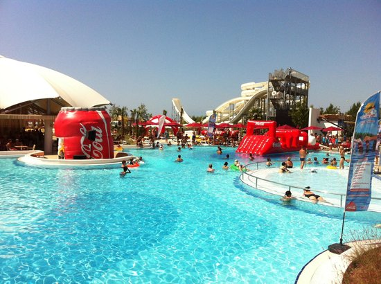 Hotel Riu Kaya Palazzo : Coca cola pool games for children