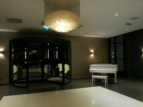 Van der Valk Hotel Sassenheim-Leiden : lobby