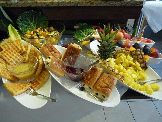 Andra Muenchen Hotel: buffet
