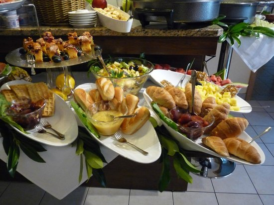 Andra Muenchen Hotel: coloratissimo buffet