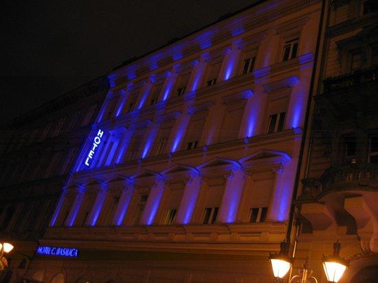Hotel Central Basilica: Veduta esterna