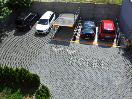 VV Hotel: Safe private parking- no extra cost