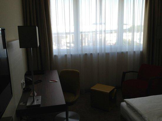 Austria Trend Hotel Doppio Wien: Veduta parziale stanza