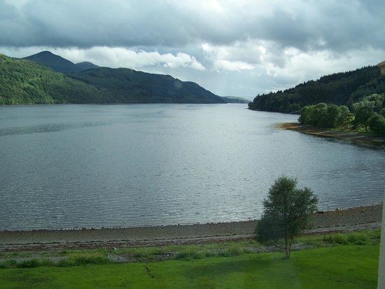 Ardgartan Hotel : View of Loch from the reception
