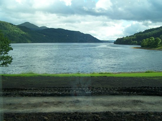 Ardgartan Hotel: View of Loch from hotel reception