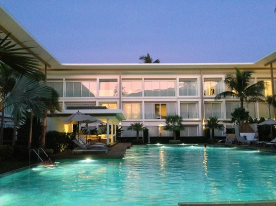Lanna Samui: view from restaurant to the pool