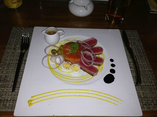 Lanna Samui: dining in the restaurant