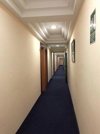 Aparthotel & Hotel Isla de Cabrera : pasillo hotel