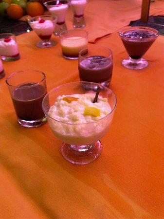 Aparthotel & Hotel Isla de Cabrera: postres buffet cena