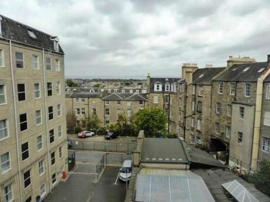 Holiday Inn Express - Edinburgh City Centre : View from room