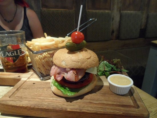 The Star Inn: Gourmet Burger