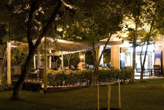 Achajour Cafe: Evening Achajour