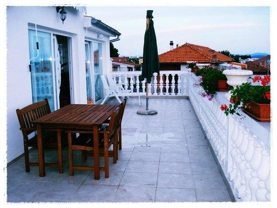 Lola's Apartments: Penthouse terrace