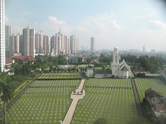 The Park Lane Jakarta: Cemetary outside hotel