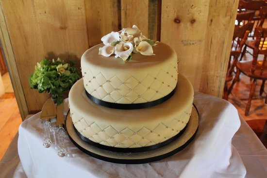 Gateau Neo: Our amazing wedding cake
