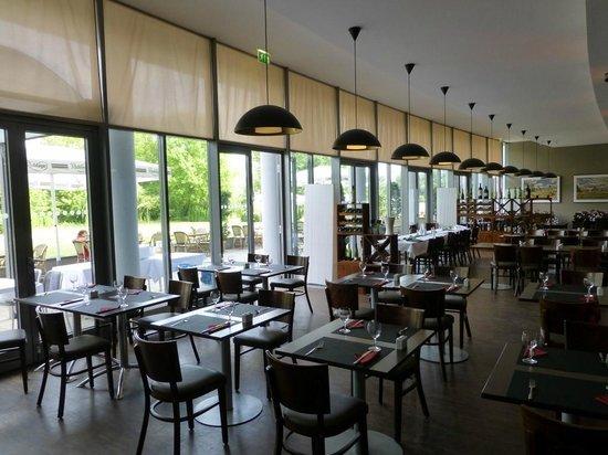 arcona Hotel am Havelufer: Restaurant mit Terrasse
