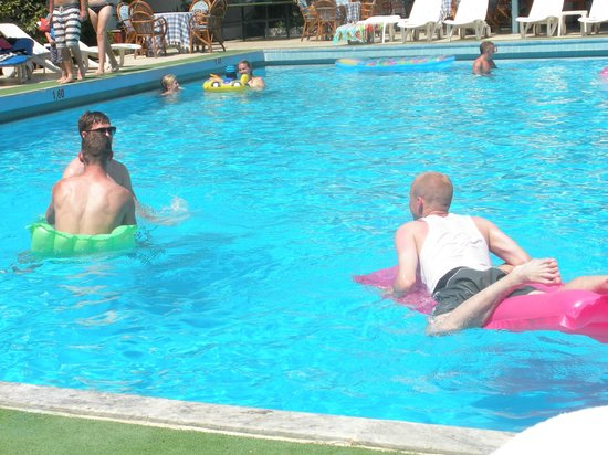 Hotel Dost: Pool