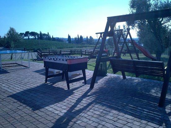 Bertoletta Village : Attività ricreative con vista Lago di Frassino