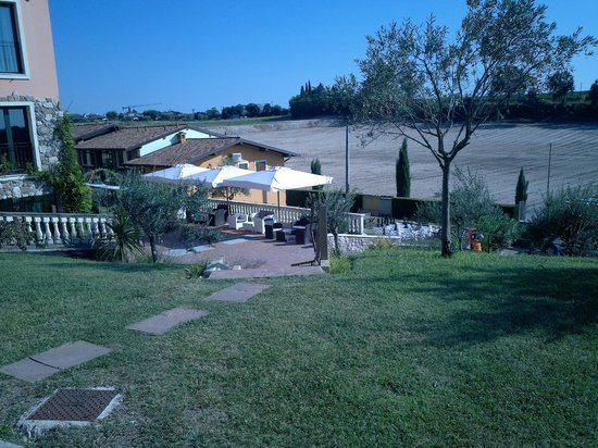 Bertoletta Village : Vista dell'esterno del bar dalla piscina