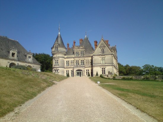 Gardens of the Chateau de la Bourdaisiere: Le Chateau
