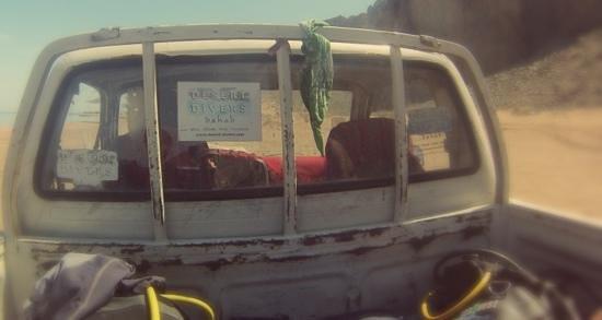 Desert Divers Dahab: Back of a Pickup... Just like Texas.