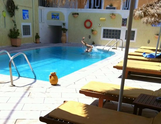 Sellada Apartments Hotel: Πισινα