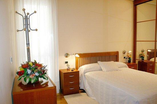 Pension Logrono: Habitación de matrimonio