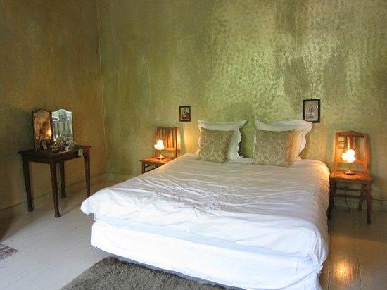 Boulevard Leopold Bed & Breakfast: Charming