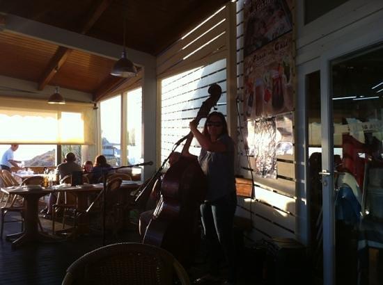 Praia Da Gale Restaurante: esta noite houve música ao vivo. excelente por sinal.