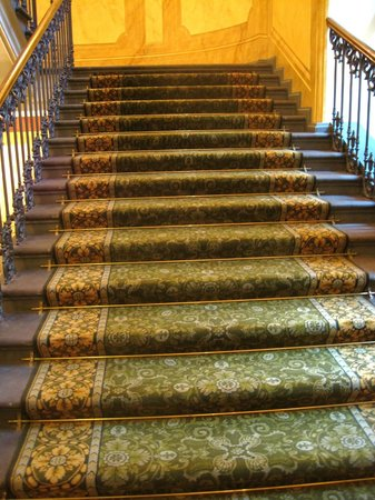 Art Museum Riga Bourse: Staircase in the museum