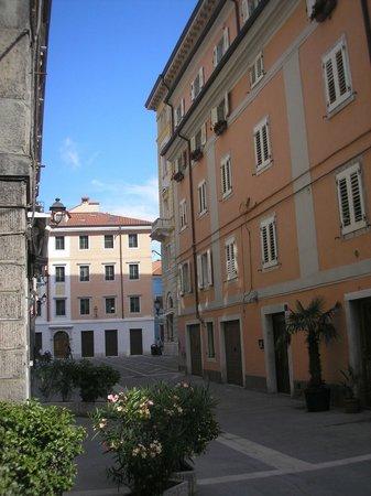 Citta Vecchia (Old City): Piazza Cavana