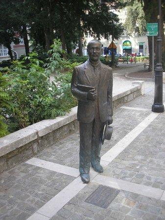 Citta Vecchia (Old City): Italo Svevo at Piazza Hortis