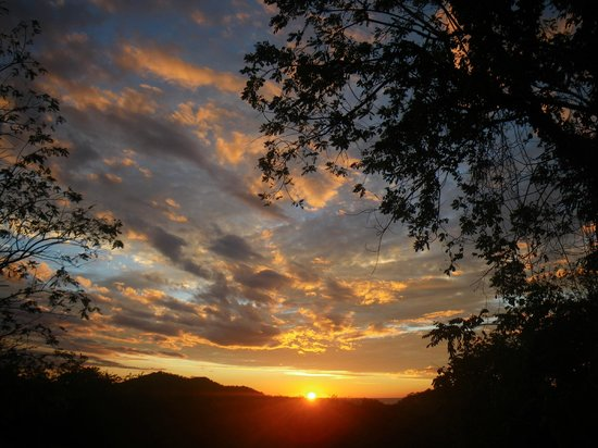 Rancho Cecilia Nicaragua: Sunset from the deck of the Surf Lodge