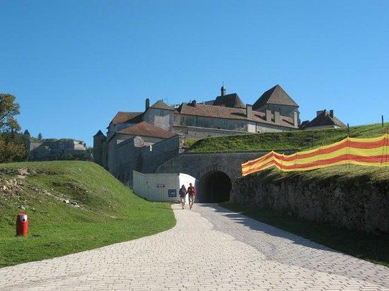 Château de Joux : The entrance
