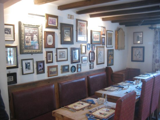 The Dog and Partridge: Inside our lovely pub!