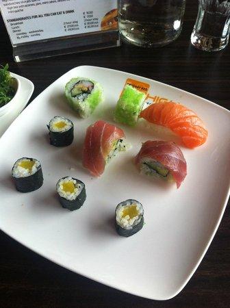 22HIGH Wereldrestaurant: A la carte moesten we voor deze sushi €12,- betalen