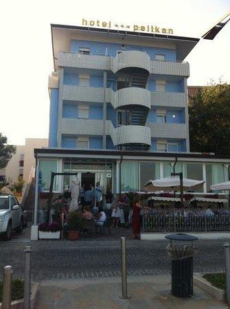 Pelikan: facciata hotel