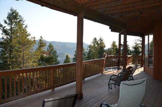 Evergreen Mountain Castle : The vieuw