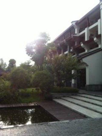 Sheraton Grand Hangzhou Wetland Park Resort: Dinning View-Outside