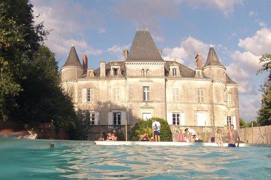 """Yelloh! Village Chateau de la Foret: The """"quiet"""" pool"""