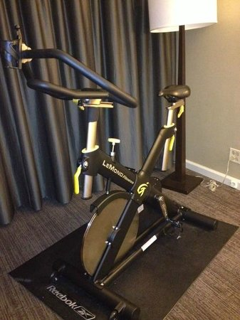 The Westin Denver Downtown: Spin bike