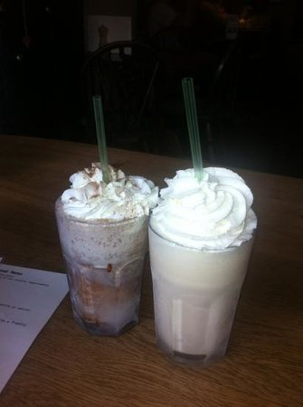 Rattle Gill Cafe : Chocolate and Banana milkshakes